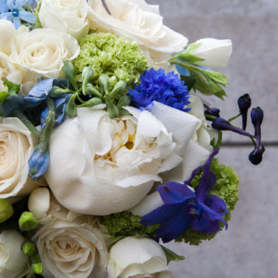 Showing the bridal bouquet for beach wedding flowers