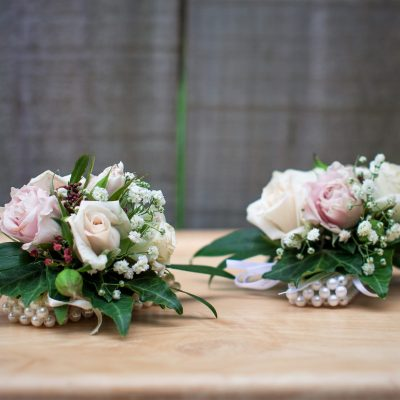 Wedding wrist corsages