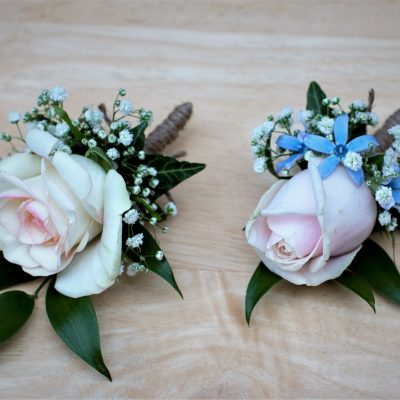 Buttonholes for groom and his bestman