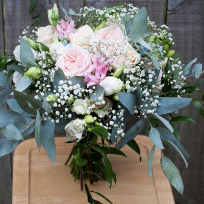 Natural garden style bridal bouquet