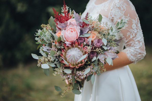 Gorgeous bridal bouquet for autumn wedding