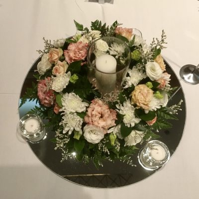 Table wreath and candles